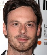 Actor Scoot McNairy