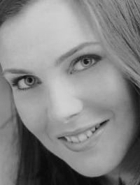 Actor June Diane Raphael