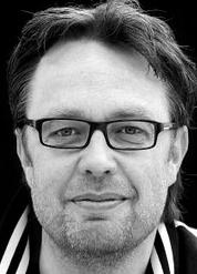 Director Henrik Ruben Genz