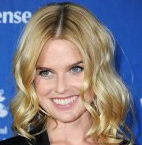 Actor Alice Eve