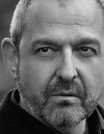 Director Alfonso Albacete
